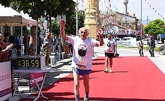 92'lik maratoncu yine koşacak