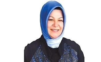 İstanbul'un ilk başörtülü belediye başkanı