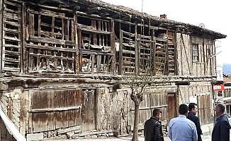 Ya yıkım ya restorasyon