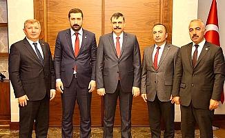 Yeni başkanlar Vali'yi ziyaret etti