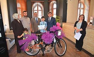 Birinci oldular, bisikleti aldılar