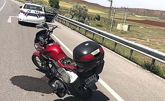 Motosiklet devrildi, 1 yaralı