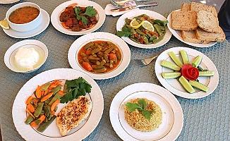 Sağlık Bakanlığı'ndan örnek iftar ve sahur