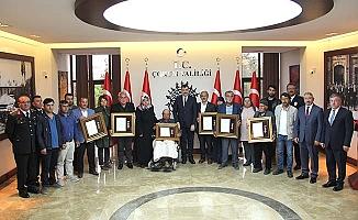 Şehit ailelerine Devlet Övünç Madalyası