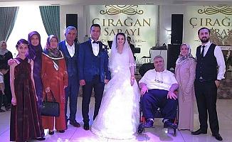 Emre Avşar ve Yasime Hoşnut'un mutlu günü