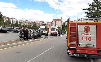 Otomobiller çarpıştı, 8 yaralı