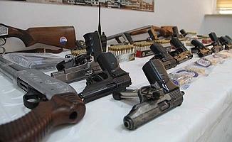 Silah kaçakçılığında 16 gözaltı
