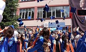 Sungurlu MYO'da mezuniyet sevinci