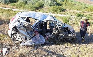 Çorum plakalı araç kaza yaptı, 2 ölü
