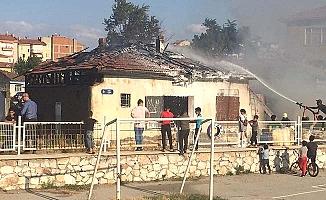 Farabi Caddesi'nde yangın paniği