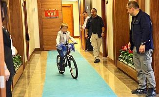 İlk sürüşü Valilik Makamı'nda yaptı