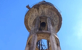 Su kulesinde mahsur kaldılar
