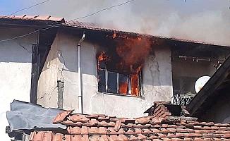 İki katlı evde yangın!