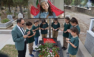 Şehit öğretmen mezarı başında anıldı