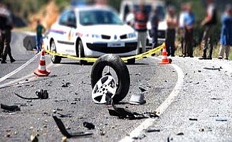 Araç devrildi, 5 yaralı