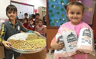 Köy okulu öğrencileri leblebi ile tanıştı