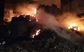 Köyde yangın, 9 ev kül oldu