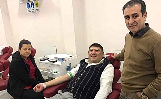 Başkan davet etti, o da kan verdi