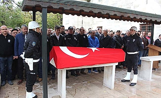 Gazi polis son yolculuğuna uğurlandı