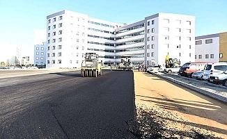 Ve hastane asfaltlanıyor