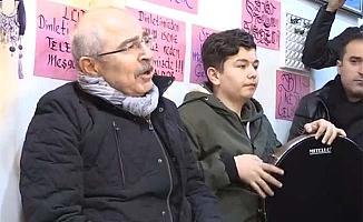 Yaman Vali kürtçe türkü söyledi