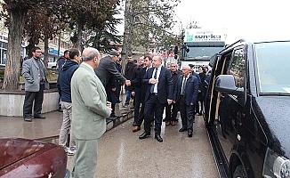Başkan 3 tır yardımla deprem bölgesine gitti