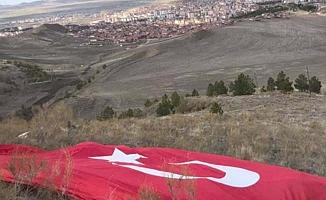 Tepeye Türk Bayrağı