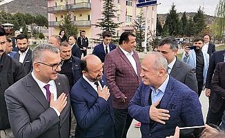 Bakan'a virüs tedbirli karşılama