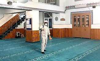 Cuma Namazı öncesi camiler dezenfekte ediliyor