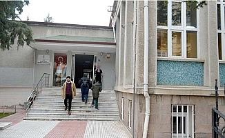 Kütüphane yıkılıyor