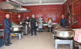 Alaca'da yemekler evlere servis