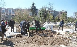 Mezar kazma ve defin ücretsiz oluyor