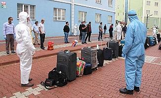 Valizler tek tek dezenfekte edildi