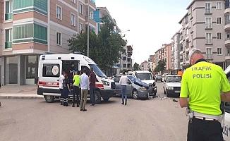Osmancık Caddesi'nde kaza, 3 yaralı