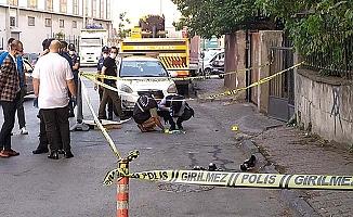 Eski eşini sokak ortasında vurdu