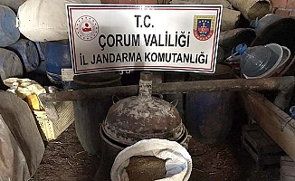 Köyde kaçak içki ele geçirildi