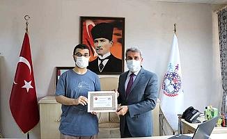 TYT Türkiye birincisine ödül