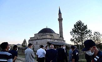 CHP gündeme getirmişti, Vali o camiye gitti