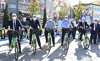 Açılışı bisiklete binerek yaptılar