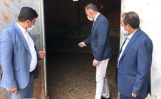 CHP: 'Atıl eğitim binası ahır olarak kullanılıyor'