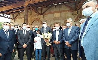 Cuma namazını Yörüklü'de tarihi camide kıldılar