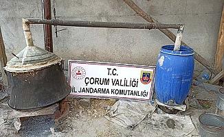 Köyde kaçak rakı ve şarap ele geçirildi