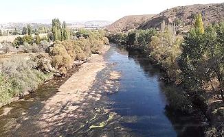 Türkiye'nin en uzun nehrinde kuraklık tehlikesi