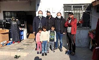 Yangınzedeye aileye sendikacı desteği