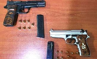 Polis 26 kişiyi kumar oynarken yakaladı