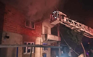 İki katlı evde yangın