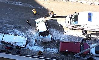 Hastalanan buzağını veterinere götürürken kaza yaptı