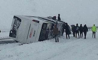 Fatsa Belediyespor otobüsü kaza yaptı