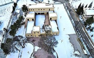 Tarihi başkent kar altında