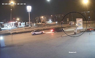 Ambulans kazasında yaşanan panik kamerada